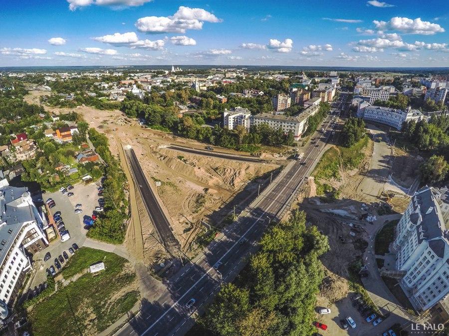 Взгляд с высоты на вторую очередь Лыбедской магистрали