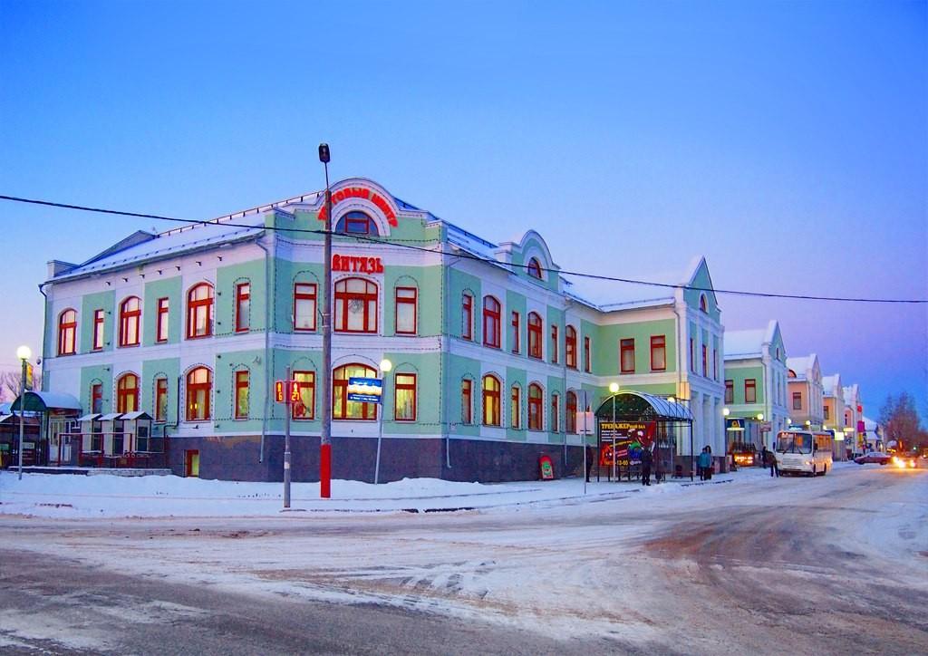 Здание ТЦ Витязь