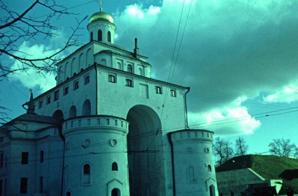 Золотые ворота 1968—1972, Россия, Владимирская область, Владимир. Автор В.Сокирко и Л.Ткаченко