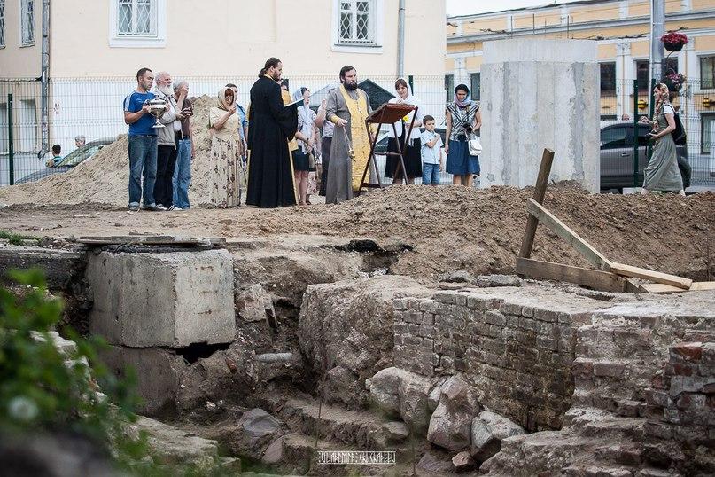 Молебен и раскопки у Блинчиков 07