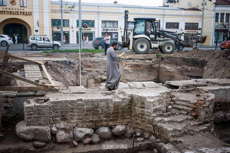Молебен и раскопки у Блинчиков 09