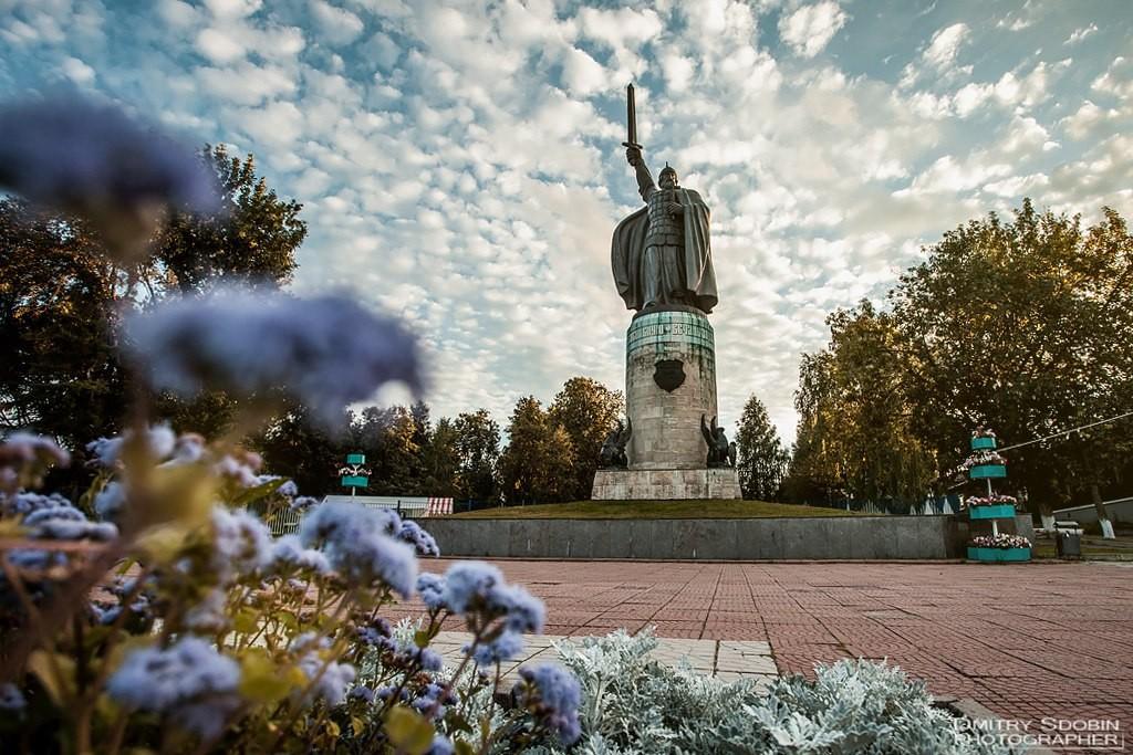 Памятник Илье Муромцу 02
