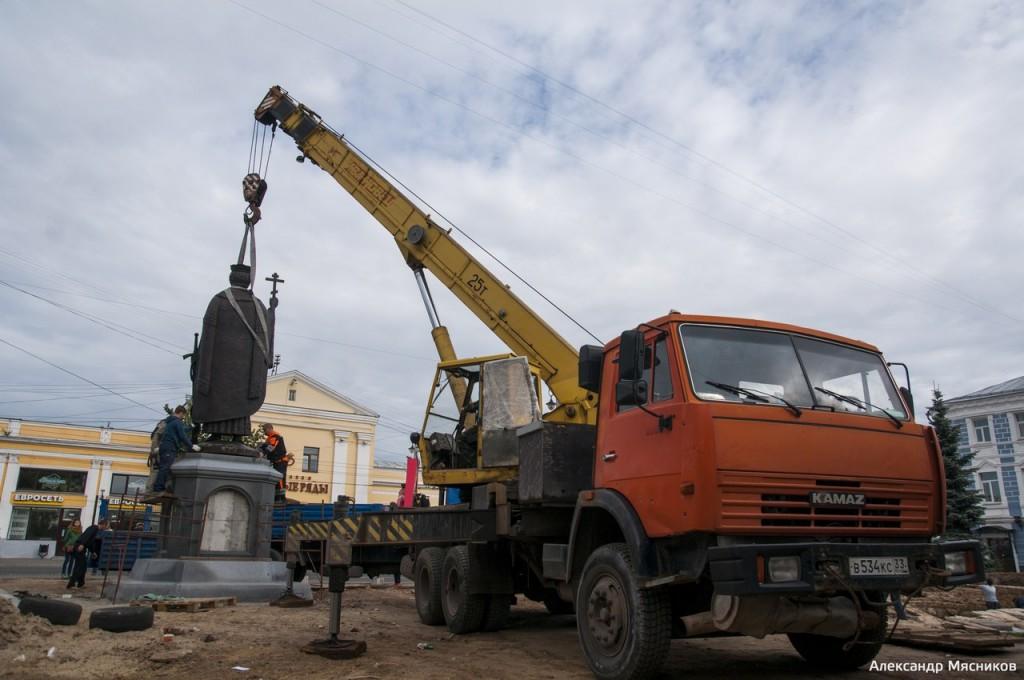 Памятник князю Владимиру во Владимире 04