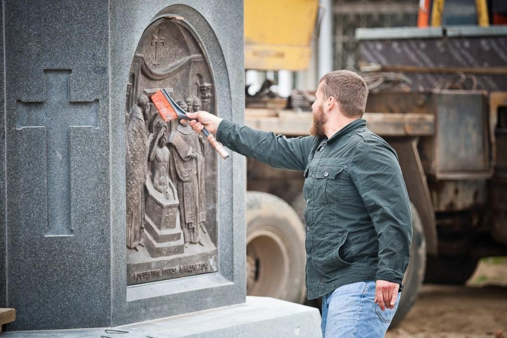 Установка памятника князю Владимиру 13