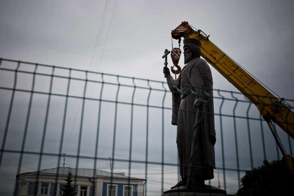 Установка памятника князю Владимиру 23