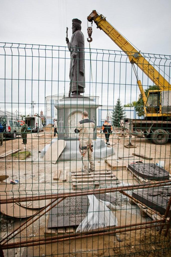 Установка памятника князю Владимиру 24