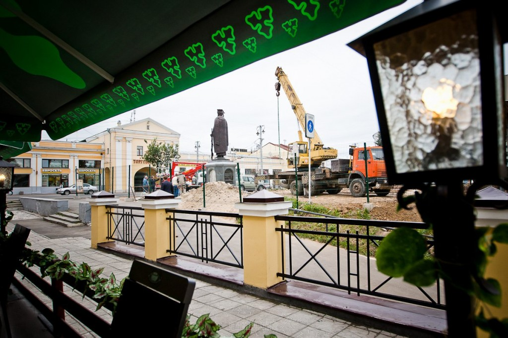 Установка памятника князю Владимиру 25