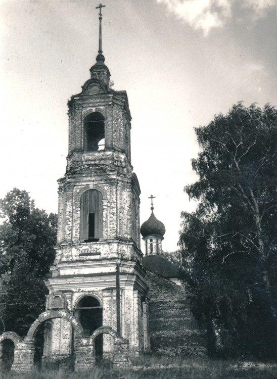 Церковь Введения во храм Пресвятой Богородицы (Камешковский район) 07