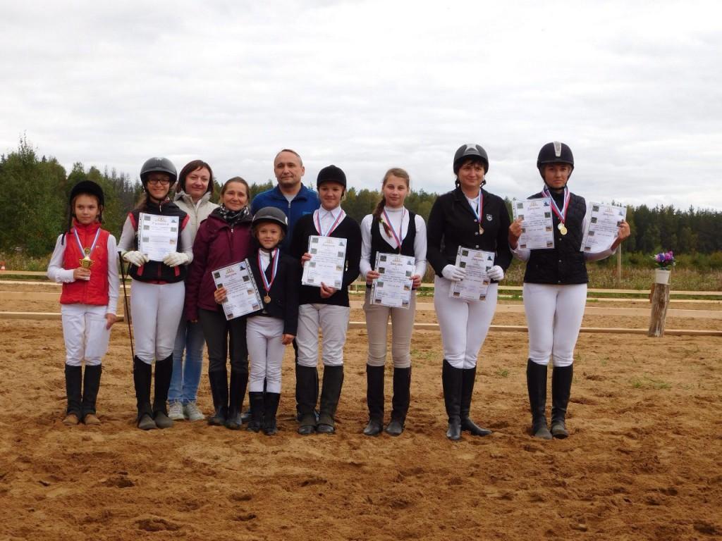 В деревне Старово прошли соревнования по конному спорту 02
