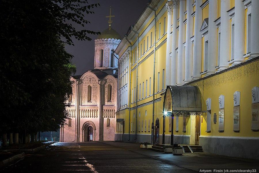Город Владимир одетый в туман 09