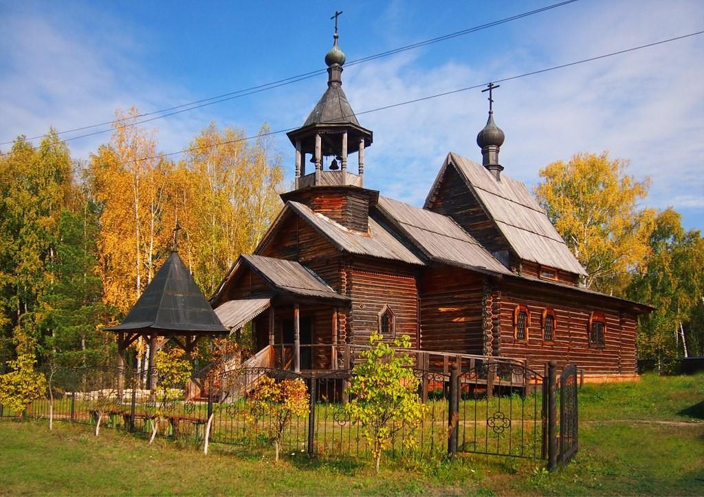 Дорога в Богородицкое подворье Троицкого монастыря города 01