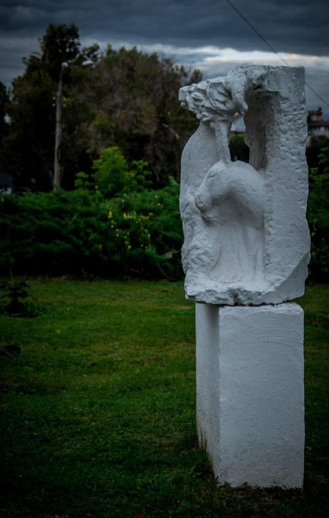 Непонятные скульптуры во Владимире 03