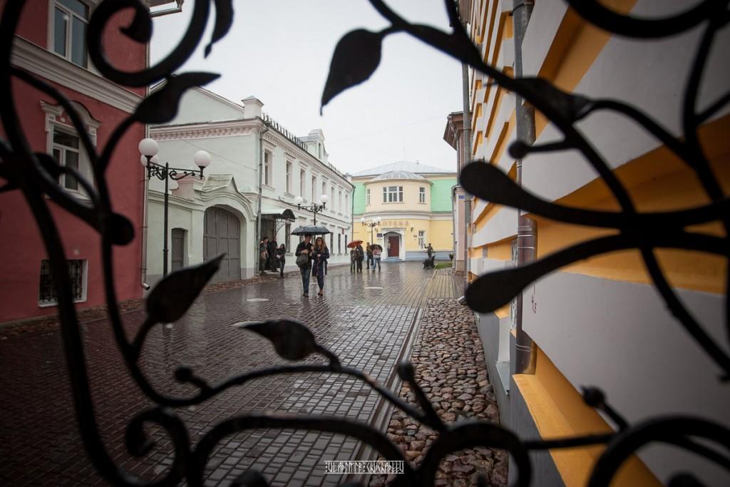 Прогулка по дождливой улице Владимира 01