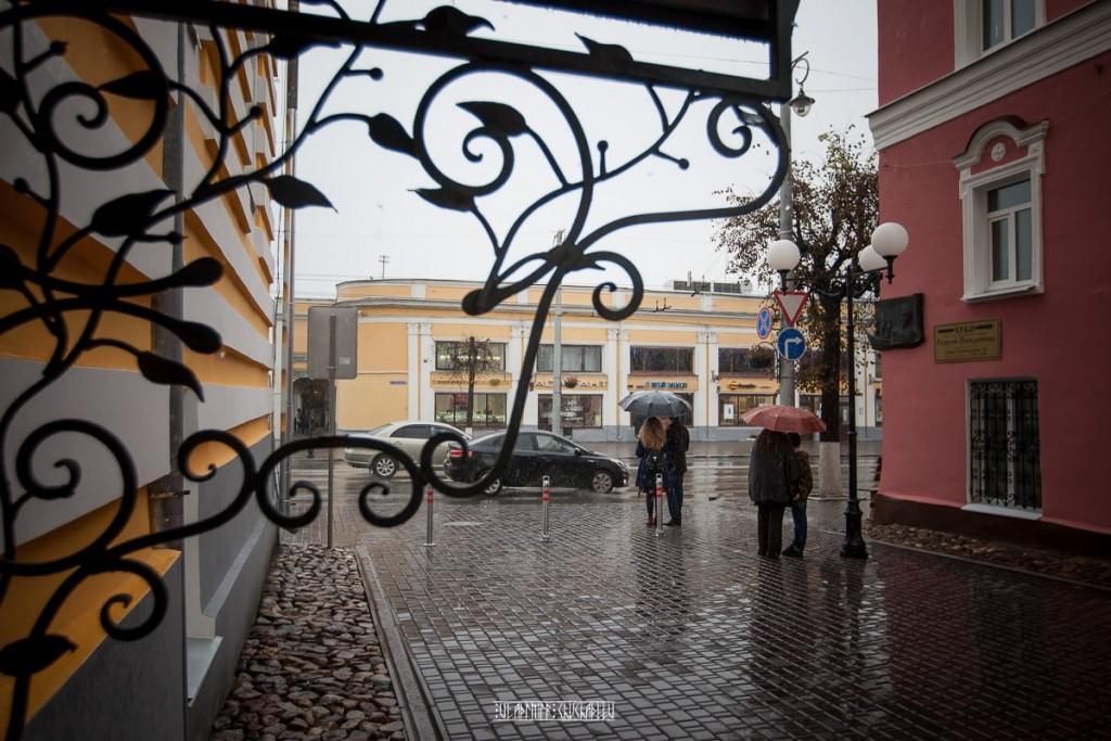 Прогулка по дождливой улице Владимира 02