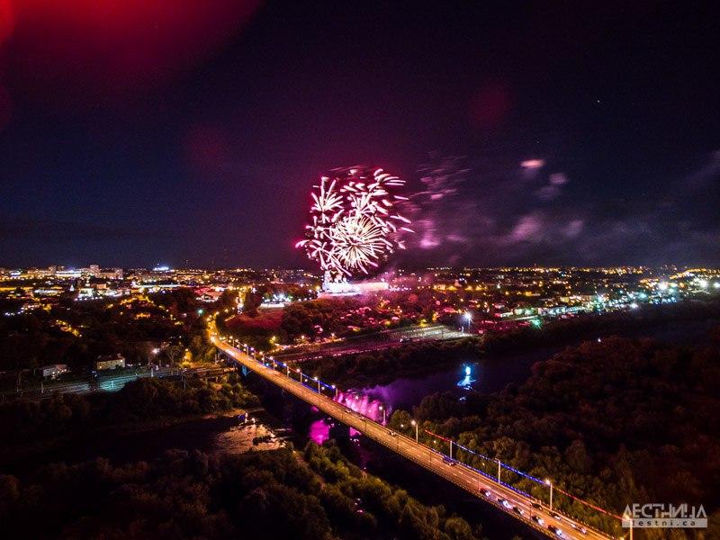 Салют на день города Владимира 2015 с высоты 01