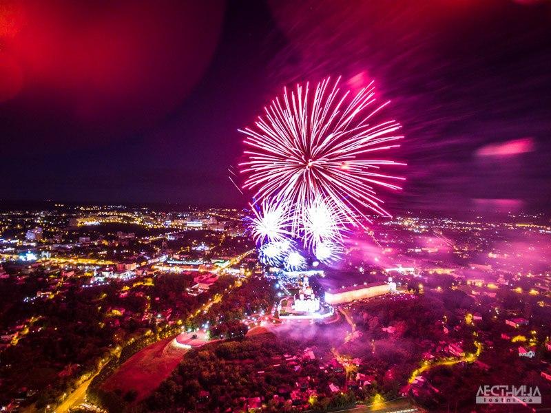 Салют на день города Владимира 2015 с высоты 02