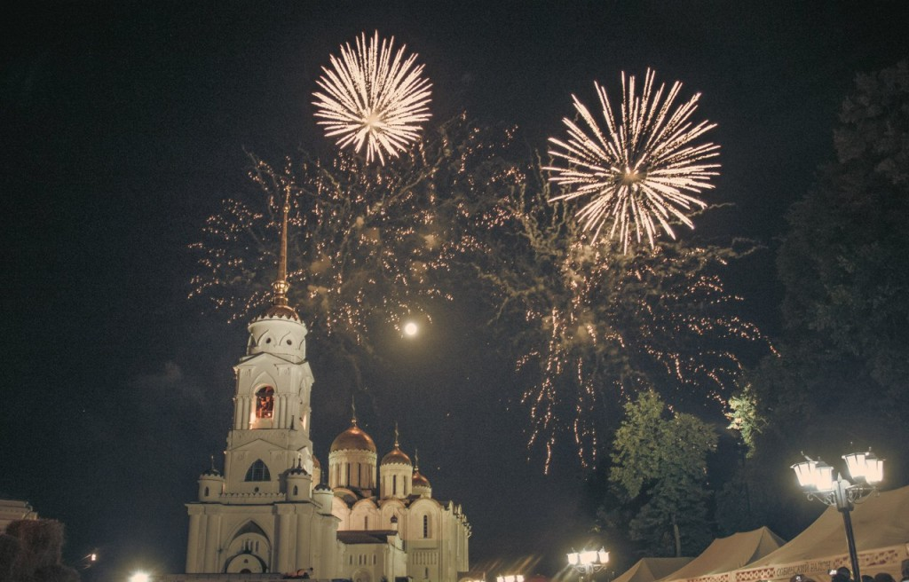 Салют на день города 2015 во Владимире 01