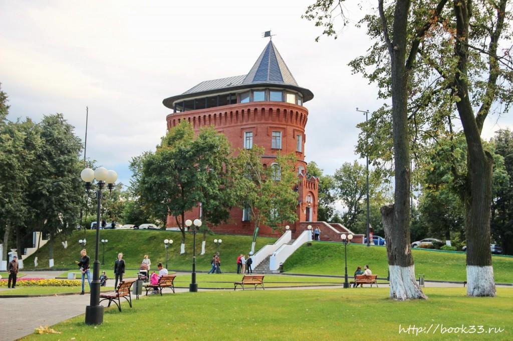 Спасский холм и водонапорная башня во Владимире