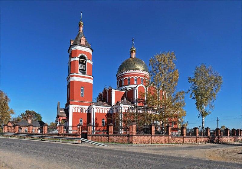 Троицкая церковь в Карабаново Александровского района Владимирской области
