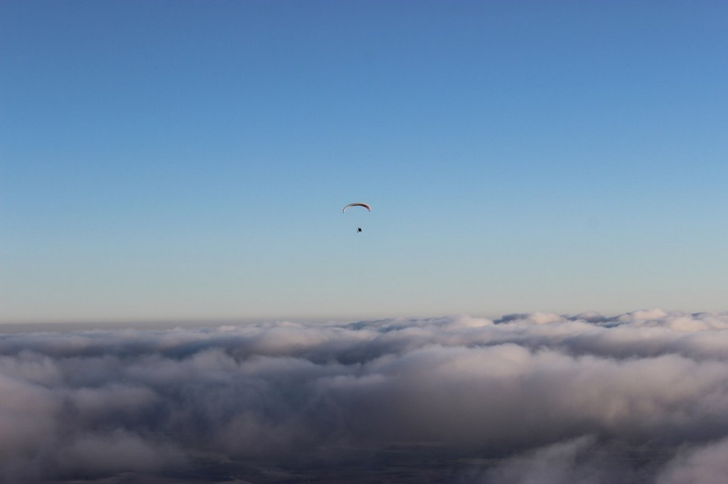 Утренний полет над облаками с парашютистами над Владимирской областью 08