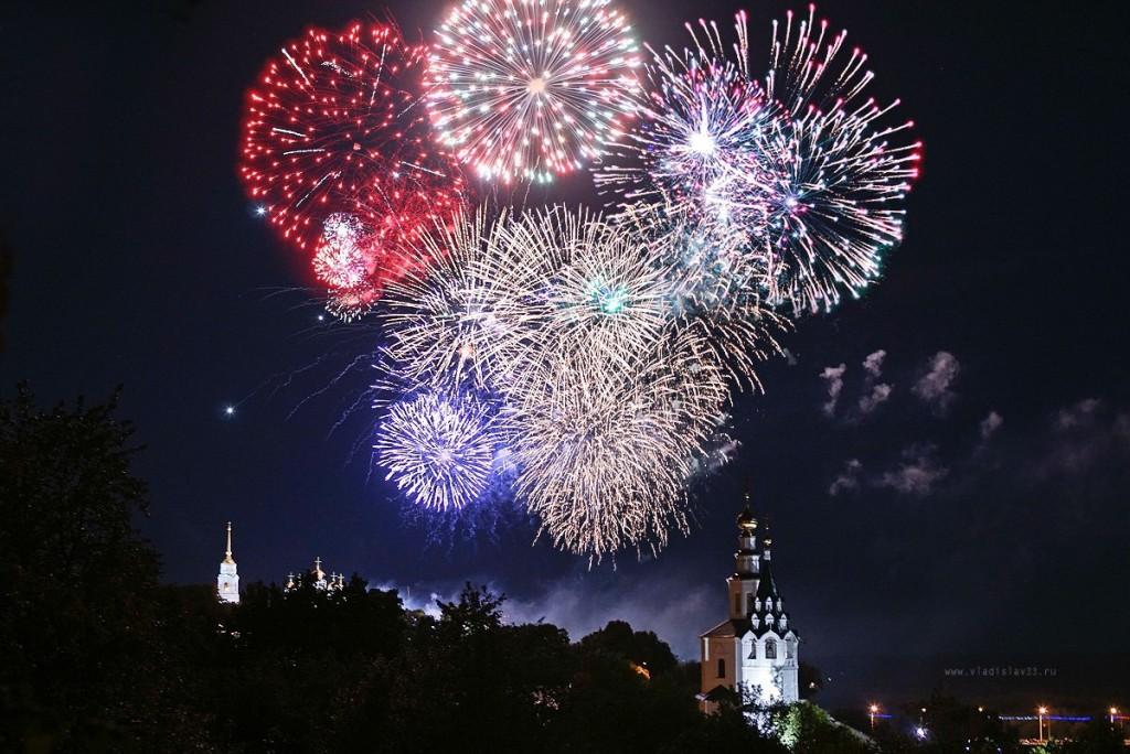 Феерическое завершение дня города во Владимире