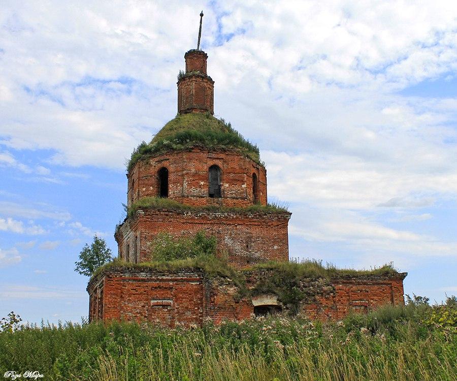 Церковь Воскресения Христова 03