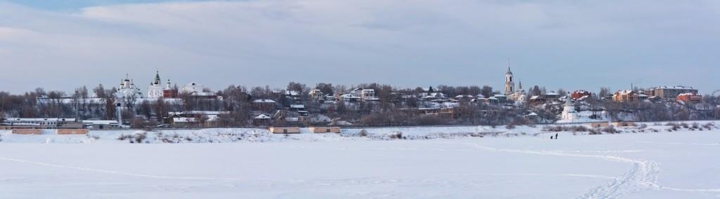 Вид на зимний Муром с Оки