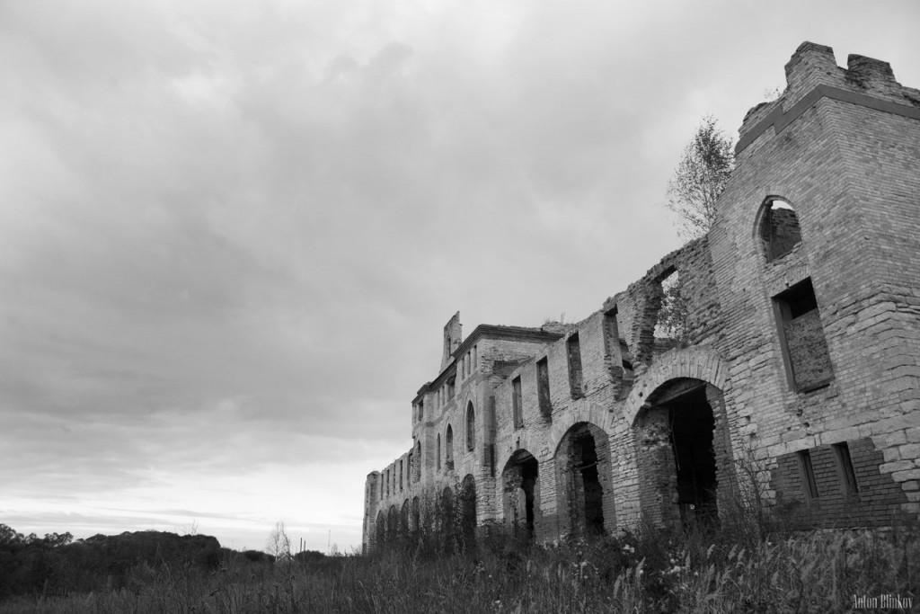 Замок Храповицкого 03