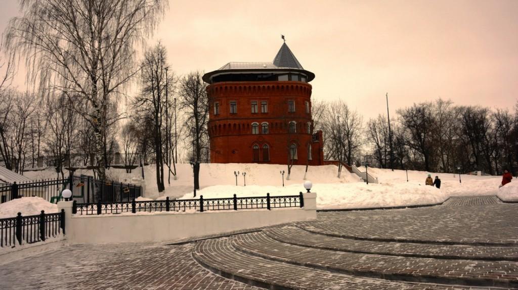 Замок-башня в центре Владимира 01
