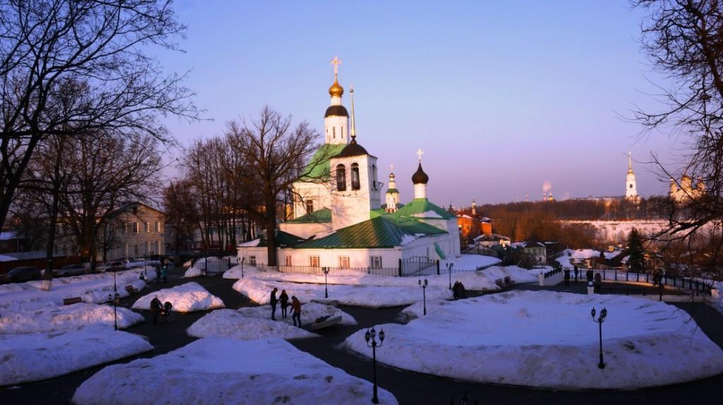 Замок-башня в центре Владимира 02