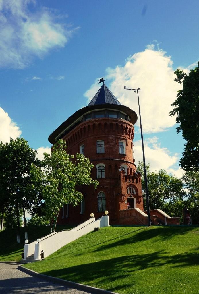 Замок-башня в центре Владимира 04