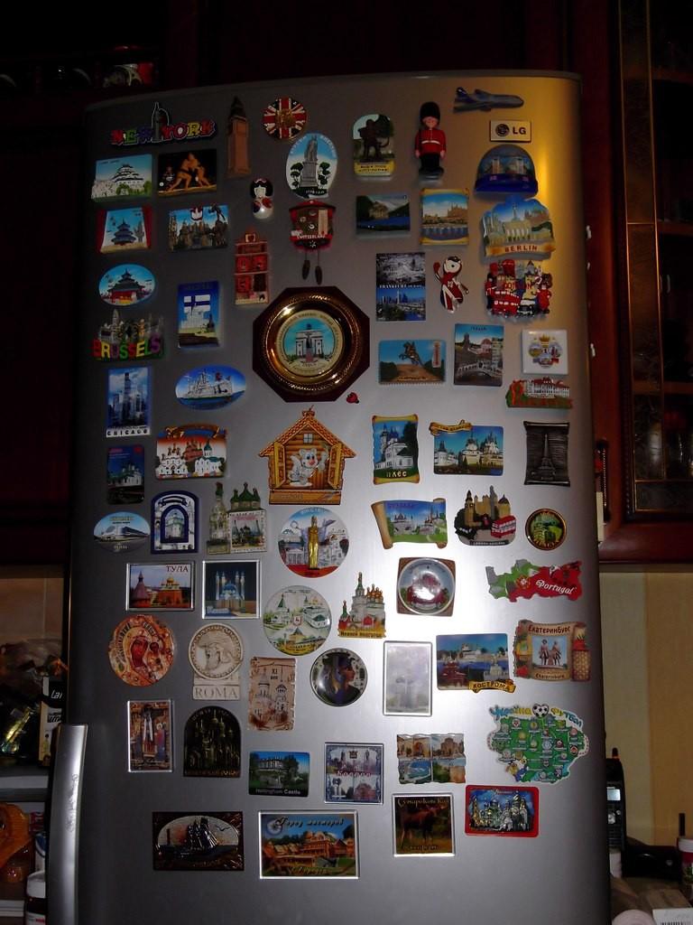 Магнитики на холодильниках 03