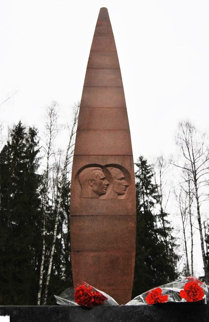 Мемориал на месте гибели Ю. Гагарина 02