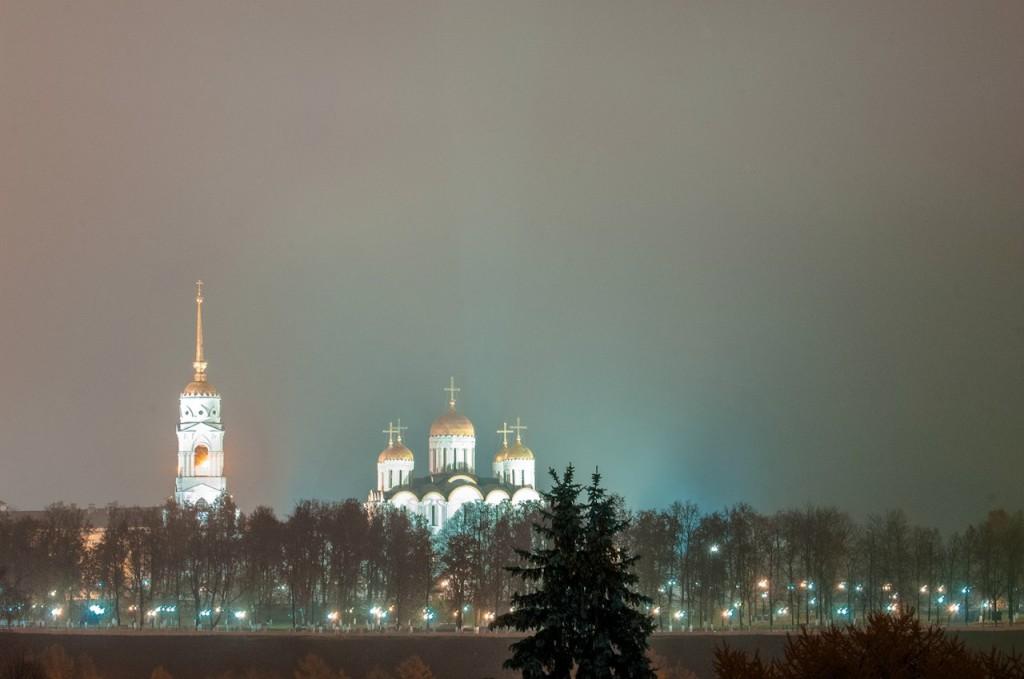 Ночной осенний Владимир 01