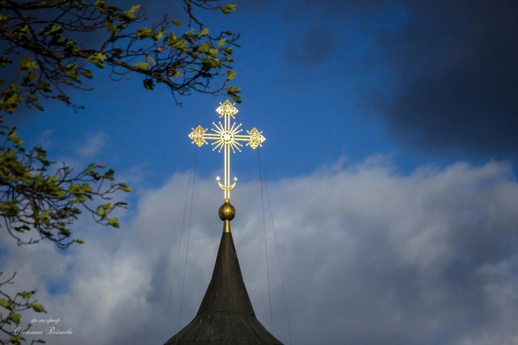 Облака над Никольской церковью