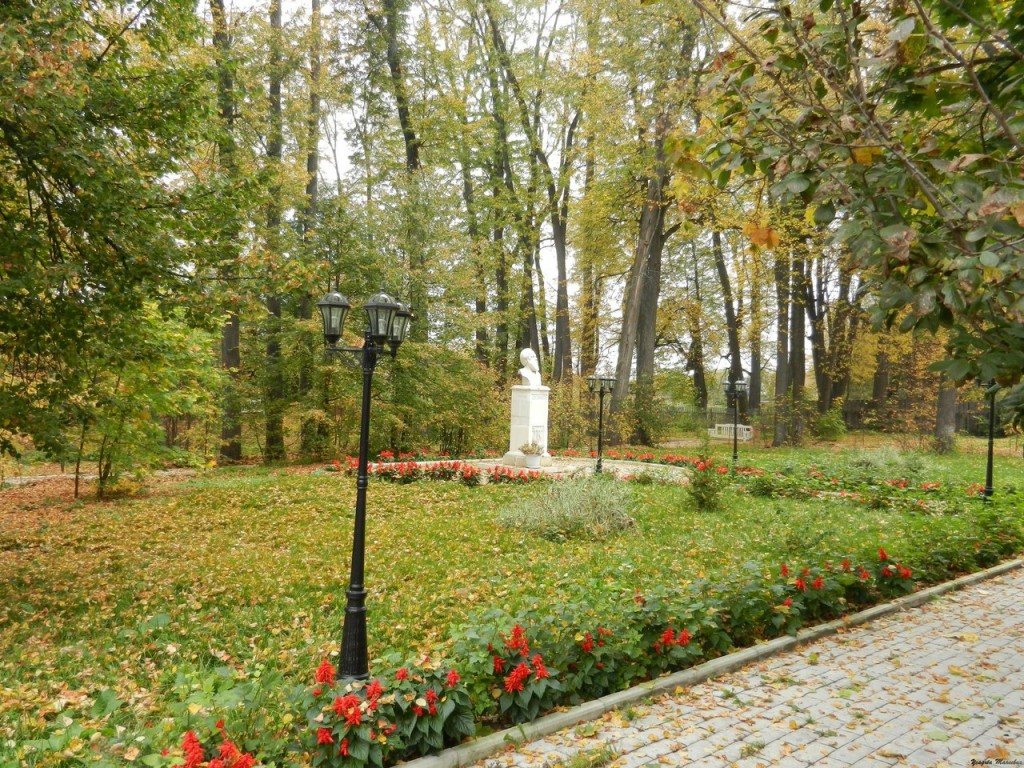 Осень. Ковровский район. Село Маринино. Усадьба Танеевых 10