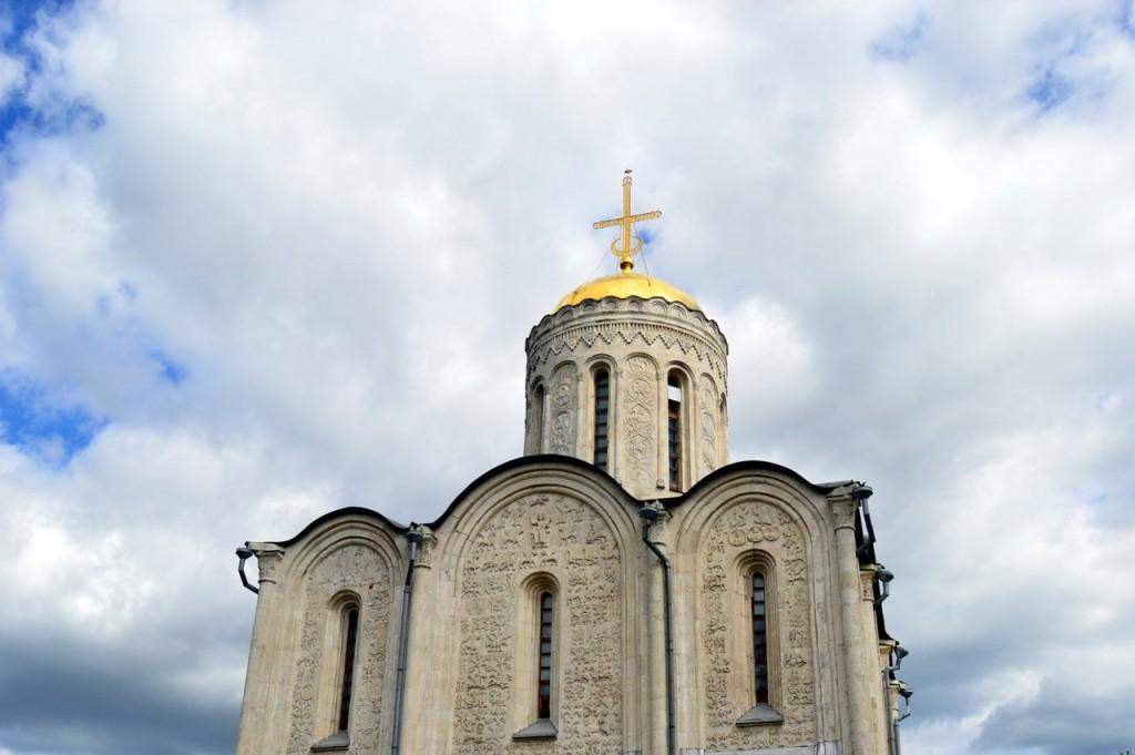 Посещение Дмитриевского собора 02
