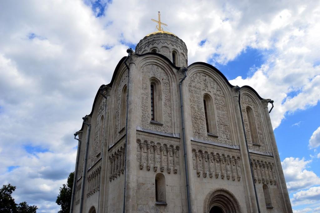 Посещение Дмитриевского собора 03