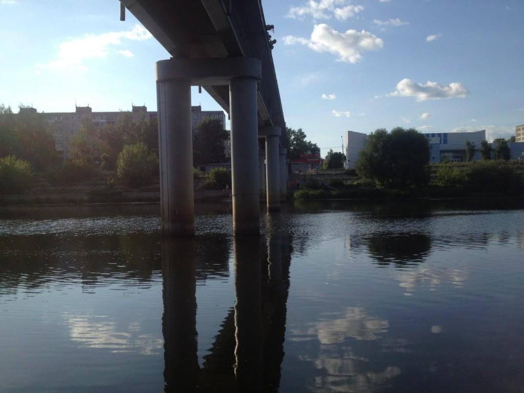 По реке Клязьме 00 Пешеходный мост в г. Орехово-Зуево