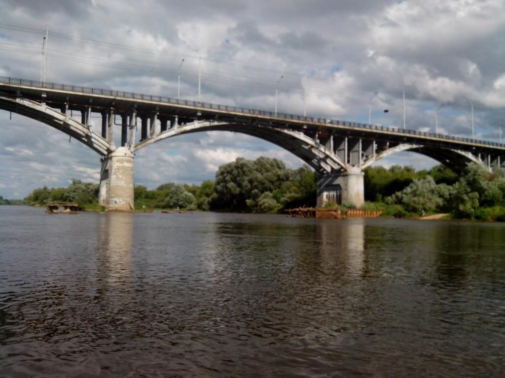 По реке Клязьме 82 Мост через Клязьму в г. Владимир.