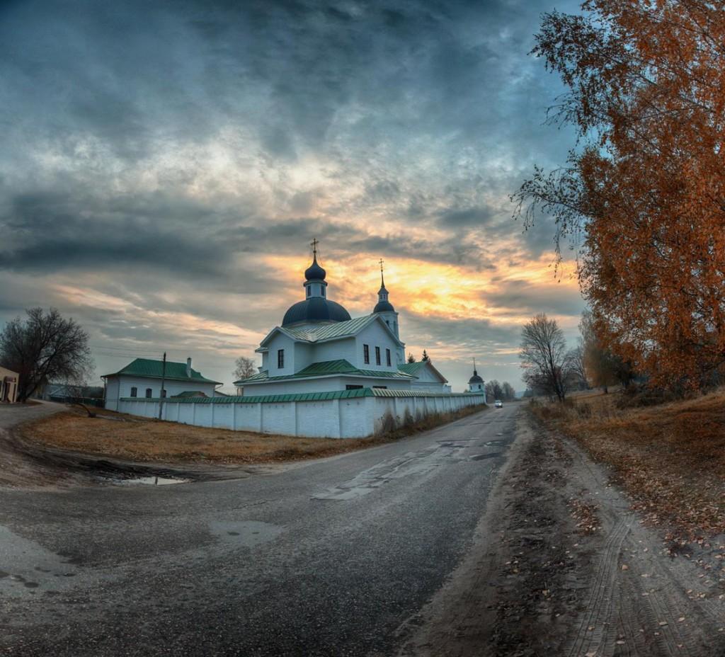 Село Лазарево. Церковь Михаила Архангела (Муромский район)