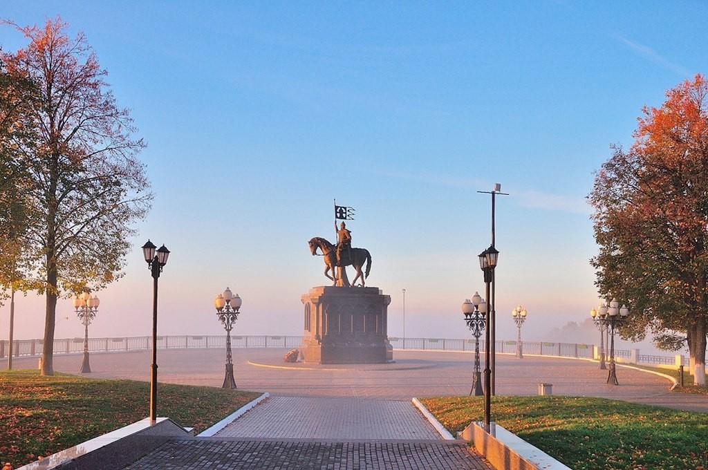 Смотровая площадка Владимира в утреннем тумане.