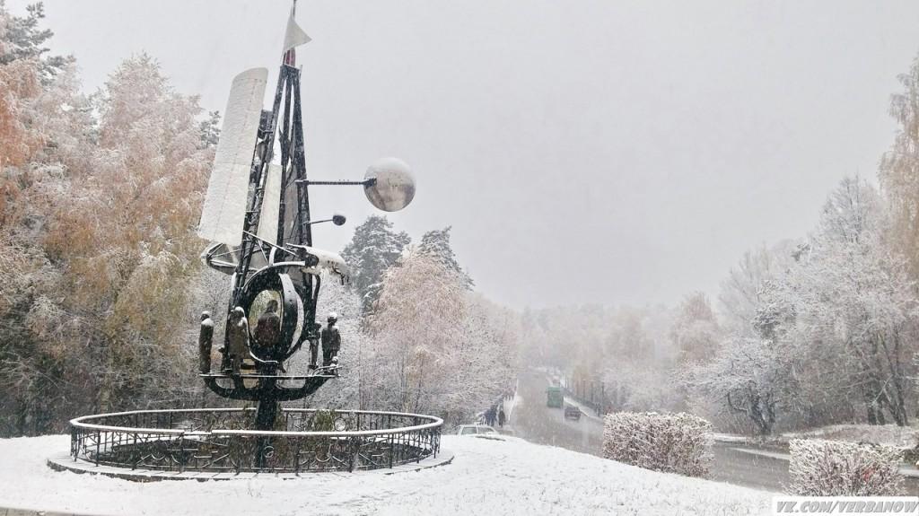 Снежок в теплый день на Вербовском 01