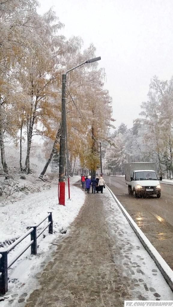 Снежок в теплый день на Вербовском 07