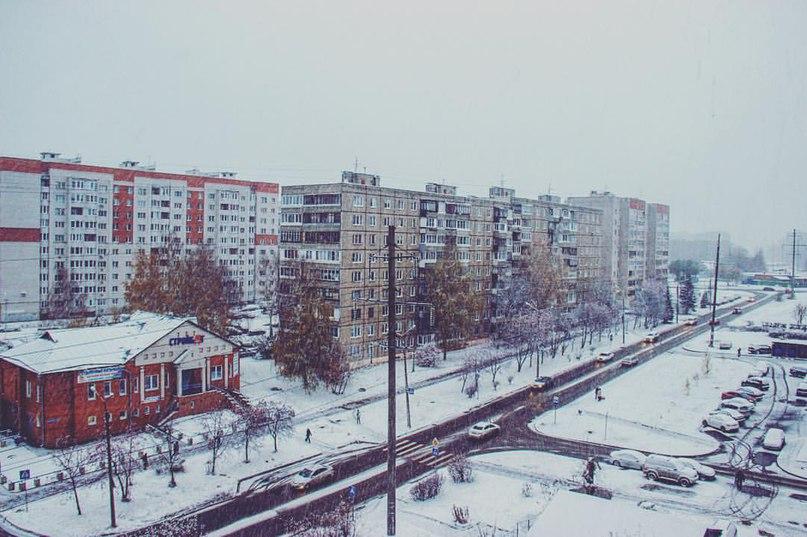 А из нашего окна зима уже видна