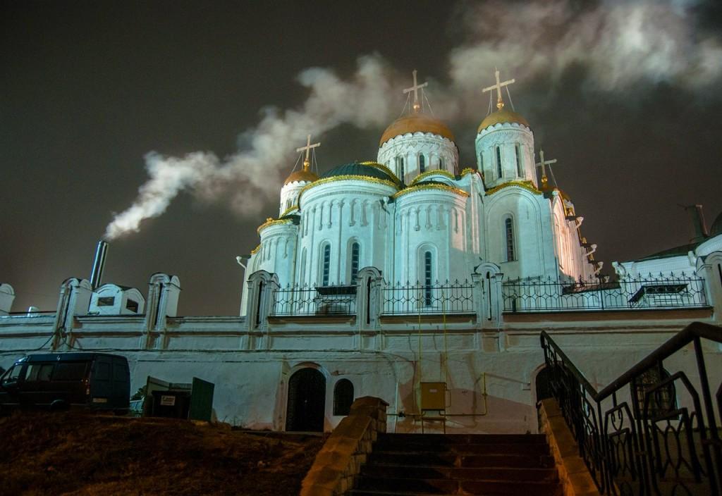 Ночью Владимир производит особое впечатление 01