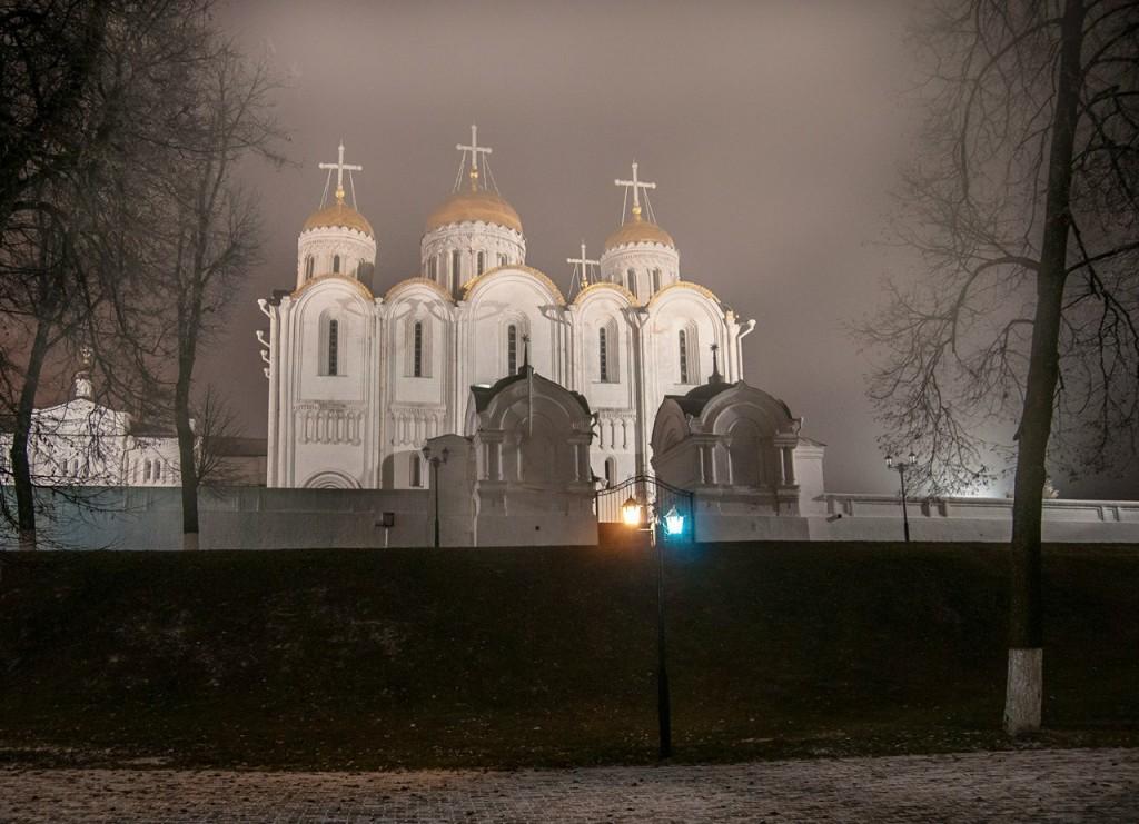 Ночью Владимир производит особое впечатление 06