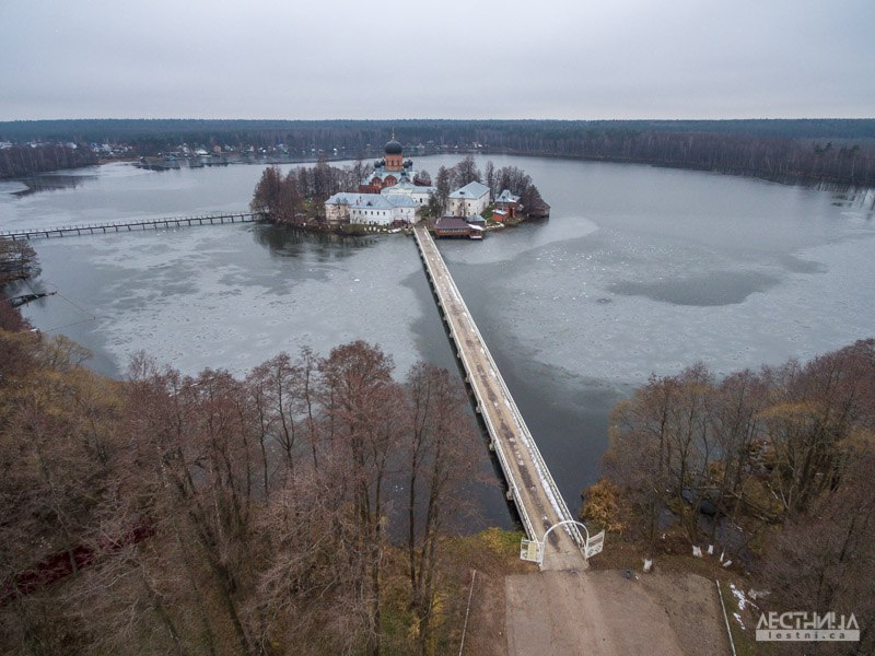 Озеро Введенское и монастырь около Покрова 02