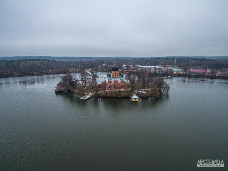 Озеро Введенское и монастырь около Покрова 04