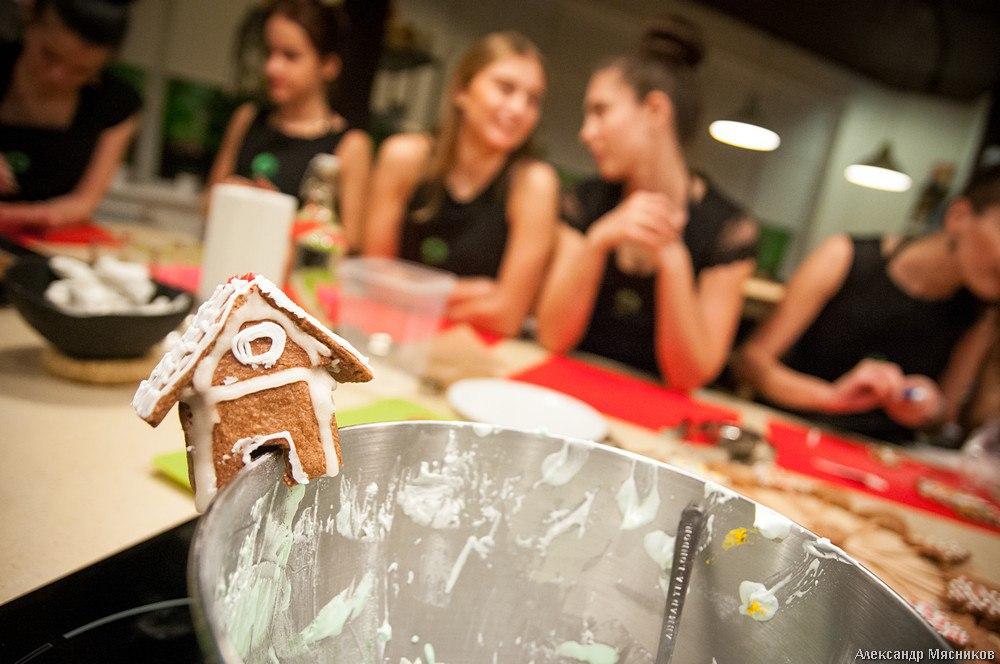 Владимирская красавица на кухне 09